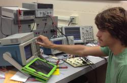 آموزشگاه تعمیرات الکترونیک