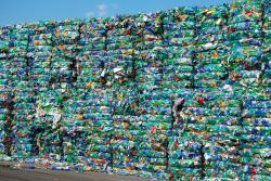 مشاوره و تامین تجهیزات در صنعت بازیافت پت PET