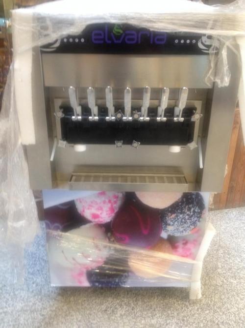 دستگاه بستنی ساز 7 قیفه آمریکایی