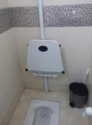 قیمت توالت فرنگی دیواری تاشو با قیف سیلیکنی