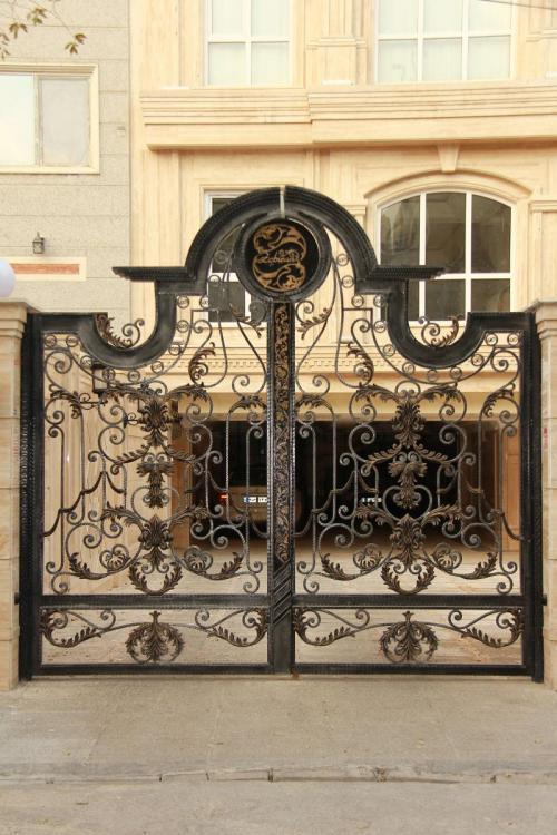 آهنگری شریفی (ساخت و نصب انواع درب و پنجره، حفاظ و..،)