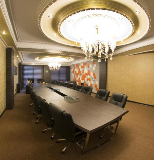 دکوراسیون اداری و سالنهای همایش و کنفرانس آلوارز