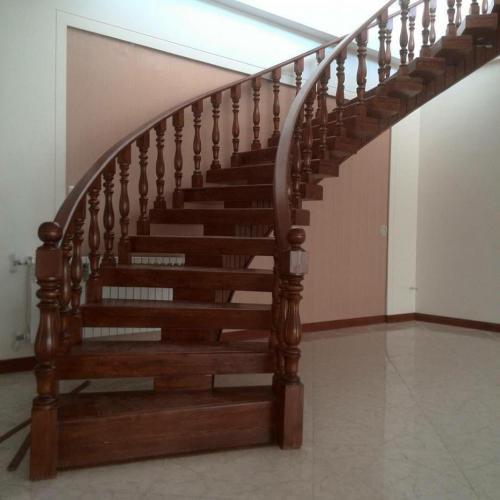طراح و مجری پله های چوبی