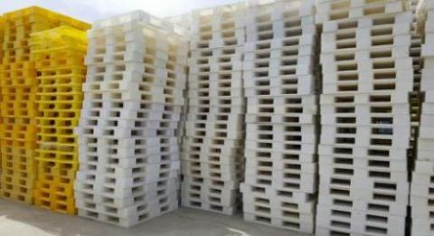 خریدار و فروشنده پالت چوبی و پلاستیکی
