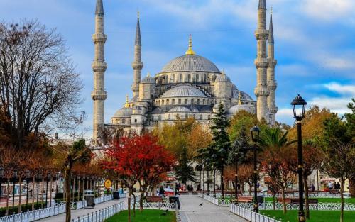 تور لحظه اخری ارزان استانبول02187700140