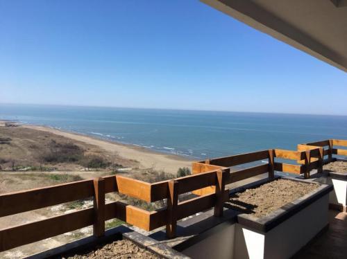 فروش آپارتمان ساحلی سه خوابه در سرخرود