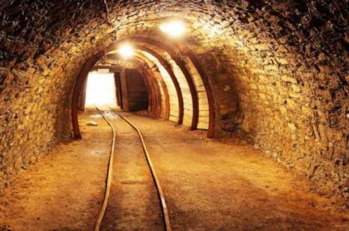 تجهیزات معادن و ماشین آلات معدن های زیرزمینی و تونلی